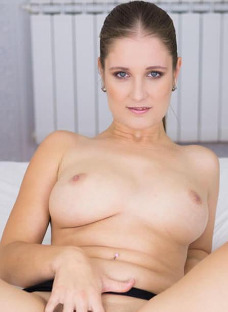 Jennifer Amton VR