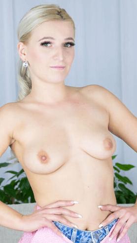 Sandra Bell VR