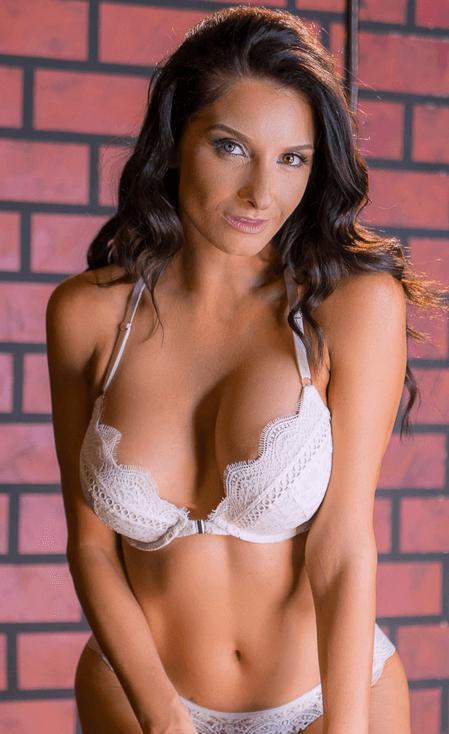 Silvia Saige VR
