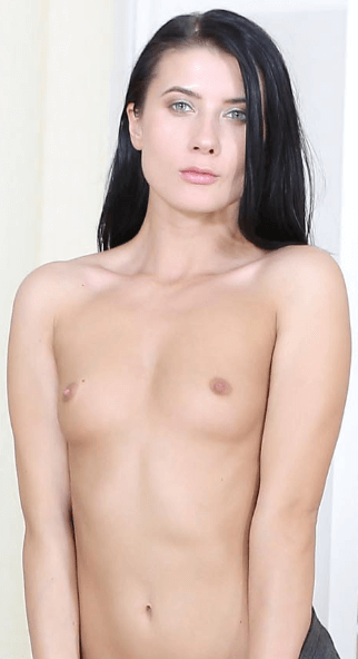 Nicole Black VR