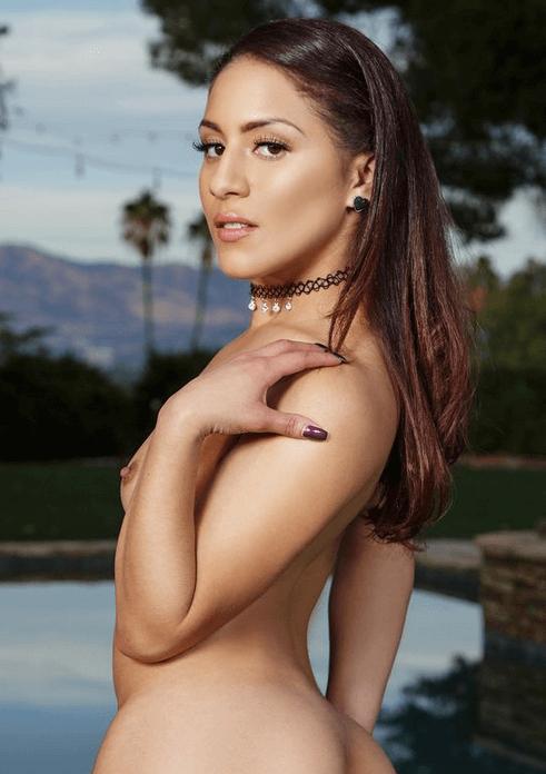 Liv Aguilara VR