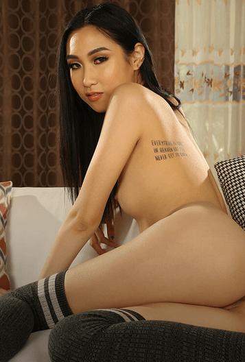 Eva Yi VR
