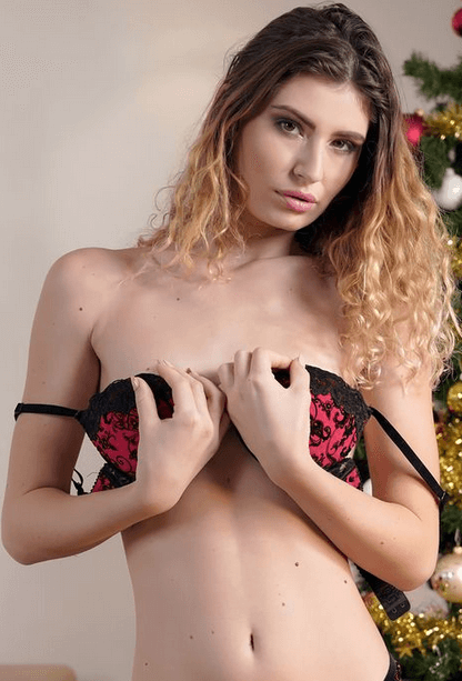 Candice Demellza VR
