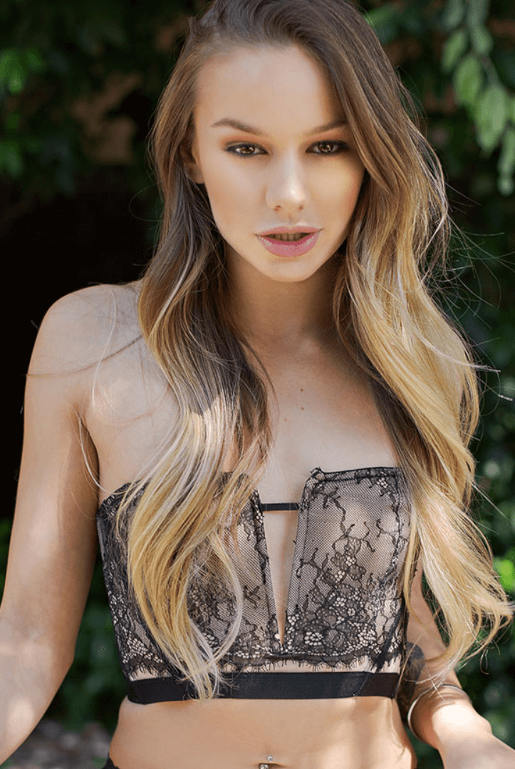 Naomi Swann VR