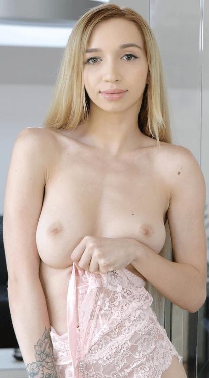 Leyla Fiore VR