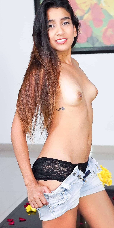 Anna Poco VR