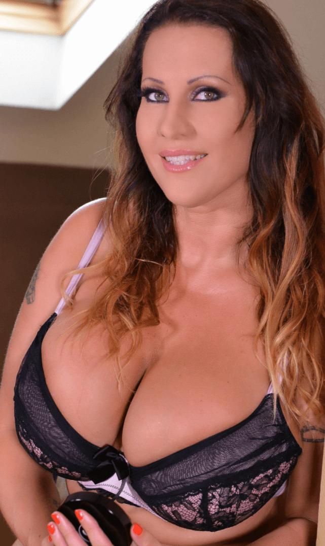 Laura Orsolya VR