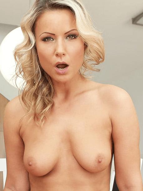 Samantha Jolie VR