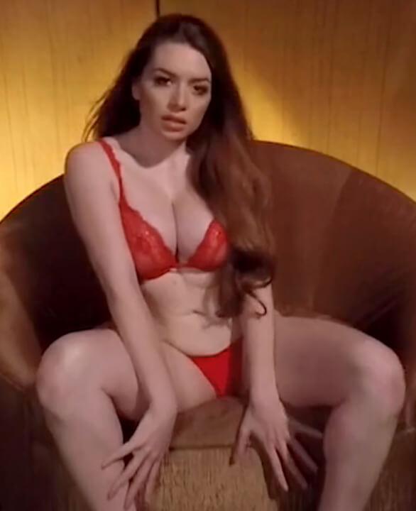 Veronica Vain VR