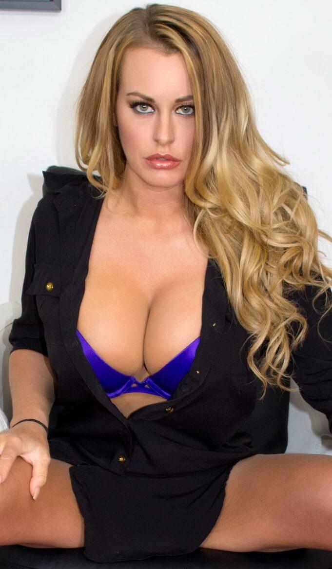 Corinna Blake VR