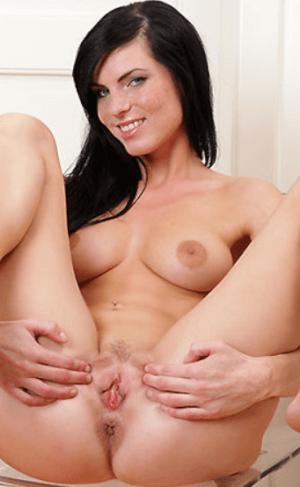 Eileen Sue