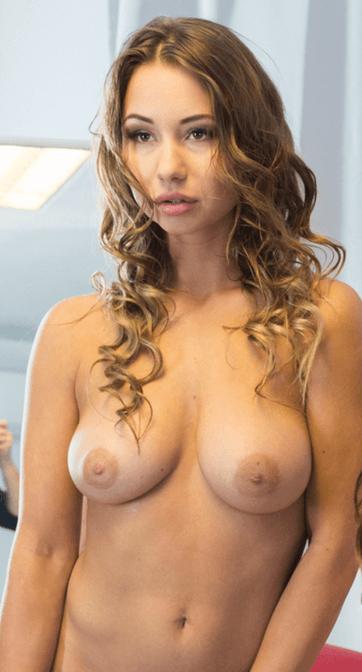 Taylor Sands VR